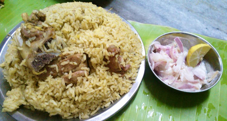 Dish,Cuisine,Food,Spiced rice,Rice,Steamed rice,Ingredient,Biryani,Kabsa,White rice