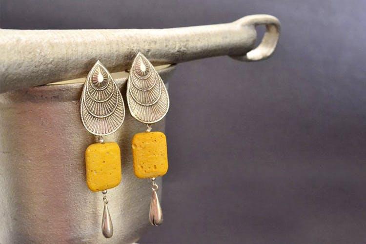 Yellow,Metal,Fashion accessory,Jewellery