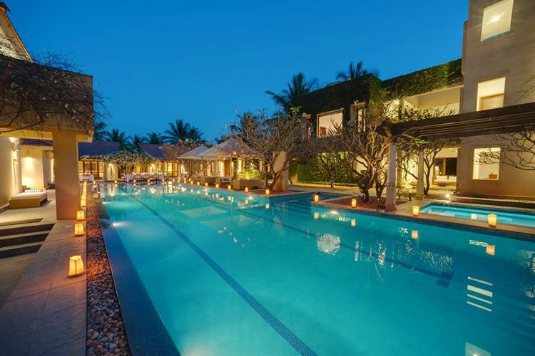 Swimming pool,Property,Resort,Building,Real estate,Estate,House,Vacation,Hotel,Leisure