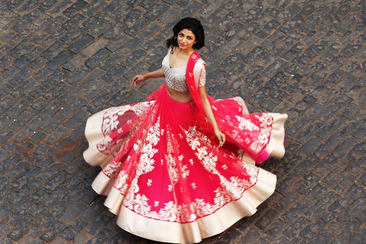 White,Red,Clothing,Pink,Dress,Lady,Formal wear,Beauty,Fashion,Figurine
