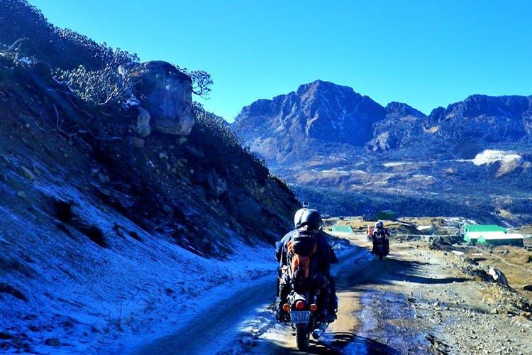 Mountainous landforms,Mountain,Mountain range,Mountaineering,Adventure,Sky,Wilderness,Ridge,Alps,Summit