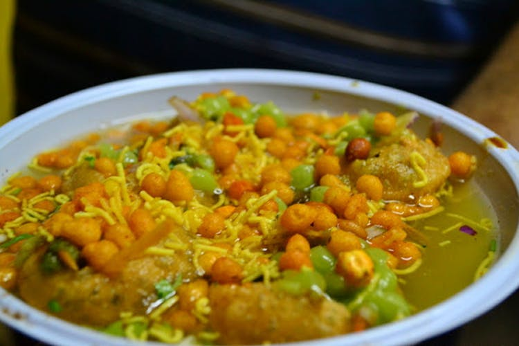 Fire Paan, Twister Potatoes And Floating Pani Puri: Here's What You Need At VV Puram, Bangalore's Food Street