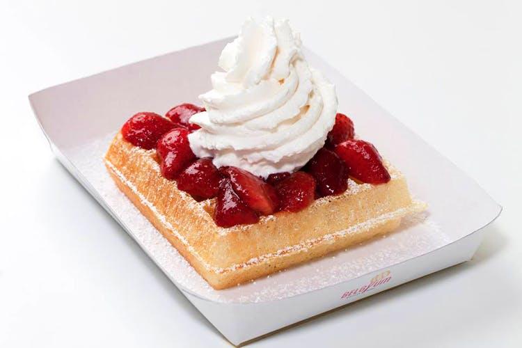 Dish,Food,Cuisine,Whipped cream,Frozen dessert,Dessert,Cream,Ingredient,Baked goods,Strawberry