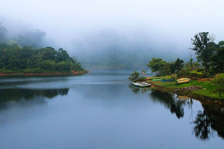 Water resources,Body of water,Nature,Natural landscape,Water,River,Atmospheric phenomenon,Mist,Sky,Reflection
