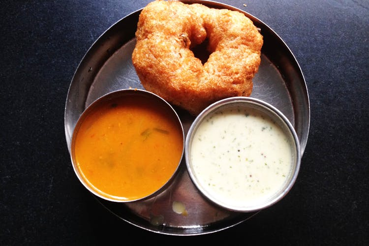 Dish,Food,Cuisine,Fried food,Ingredient,Vada,Produce,Bagel,Indian cuisine,Baked goods