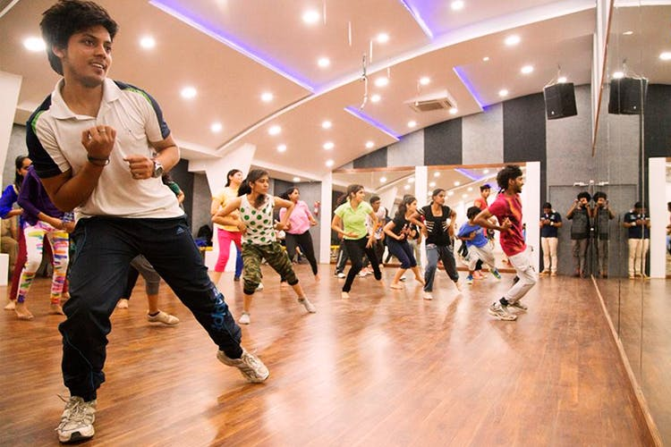 Dance,Entertainment,Performing arts,Event,Choreography,Zumba,Sports,Fun,Leisure,Exercise