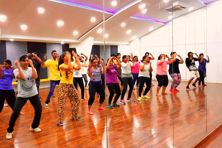 Dance,Zumba,Entertainment,Performing arts,Event,Choreography,Exercise,Aerobic exercise,Sports,Physical fitness
