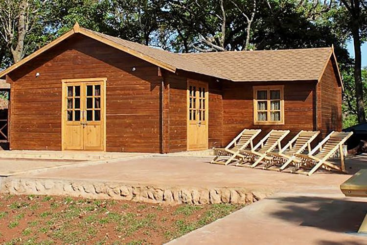 Home,House,Property,Building,Log cabin,Shed,Cottage,Siding,Real estate,Roof