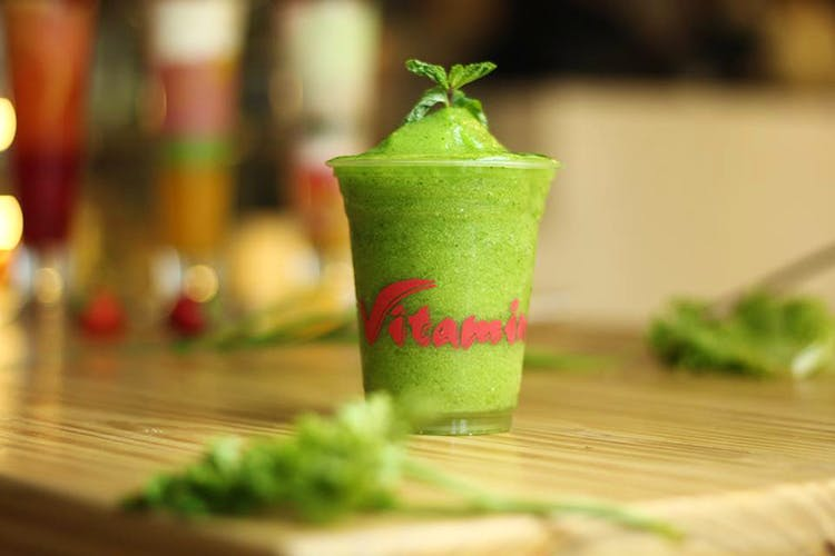 Food,Vegetable juice,Drink,Cocktail garnish,Celery,Smoothie,Ingredient,Limonana,Leaf vegetable,Vegetable