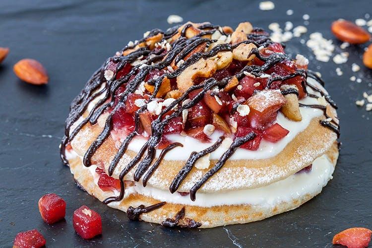 Dish,Food,Cuisine,Ingredient,Dessert,Pavlova,Baked goods,Produce,Sweet Rolls,Pancake