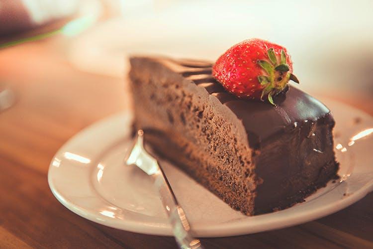 Food,Cake,Dessert,Chocolate cake,Dish,Sweetness,Cuisine,Flourless chocolate cake,Sachertorte,Frozen dessert