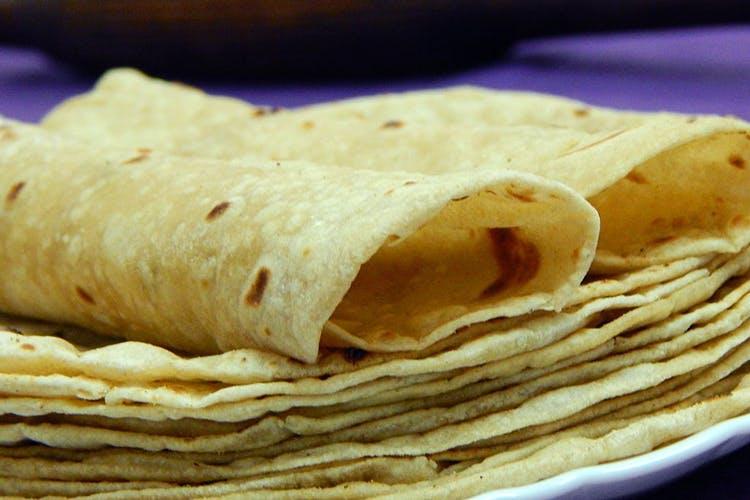Dish,Food,Cuisine,Tortilla,Lefse,Ingredient,Spring pancake,Flatbread,Wrap roti,Roti