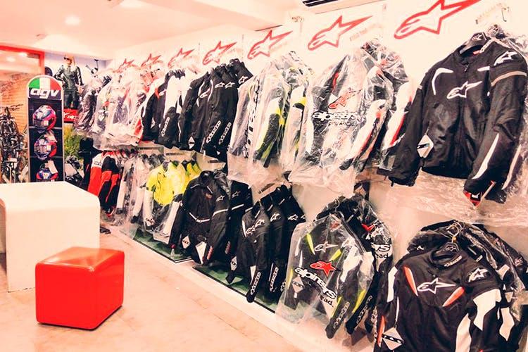 Sportswear,Footwear,Fashion,Outlet store,Boutique,Room,Outerwear,Jersey,Shoe,T-shirt