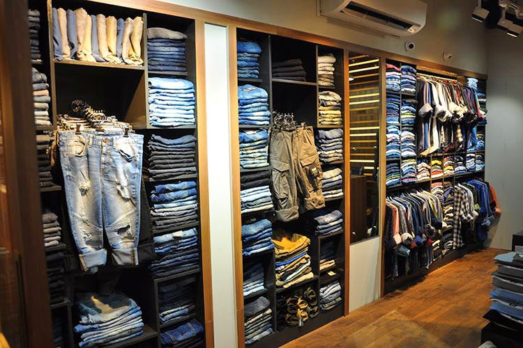 Closet,Room,Footwear,Shoe,Collection,Furniture,Outlet store,Building,Inventory,Wardrobe