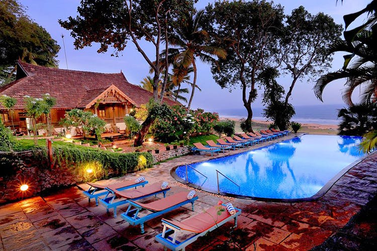 Swimming pool,Resort,Property,Vacation,Real estate,Home,Azure,Building,Resort town,House