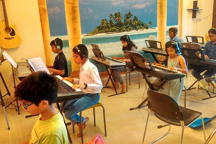 image - Channel Your Inner Liberace With These Keyboard Classes Around Bangalore