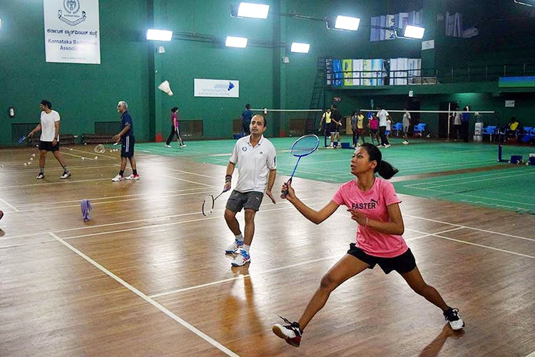 Sports,Badminton,Ball game,Racquet sport,Sports equipment,Sport venue,Fun,Racketlon,Tournament,Competition event