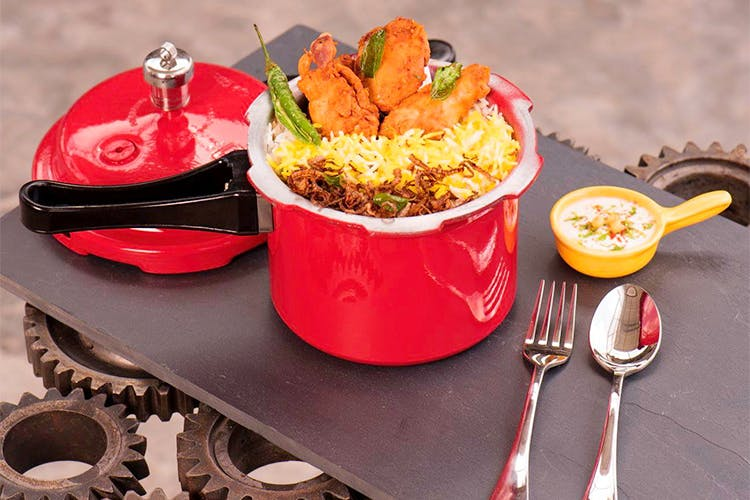 Dish,Food,Cuisine,Ingredient,Recipe,À la carte food,Meal,Produce,Cookware and bakeware,Side dish