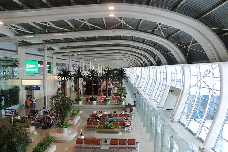 Building,Shopping mall,Architecture,Daylighting,Ceiling,Mixed-use,Airport terminal,Airport,Interior design,Lobby