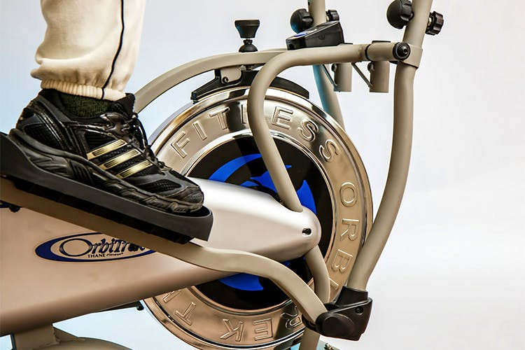 Wheel,Exercise machine,Footwear,Vehicle,Bicycle wheel,Shoe,Stationary bicycle,Automotive wheel system,Bicycle,Bicycle accessory