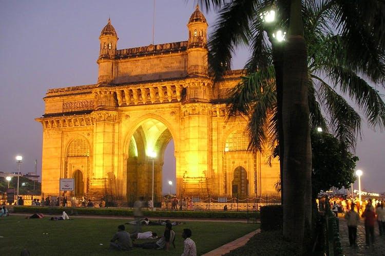 Landmark,Architecture,Arch,Sky,Night,Building,Monument,Tree,Triumphal arch,Evening
