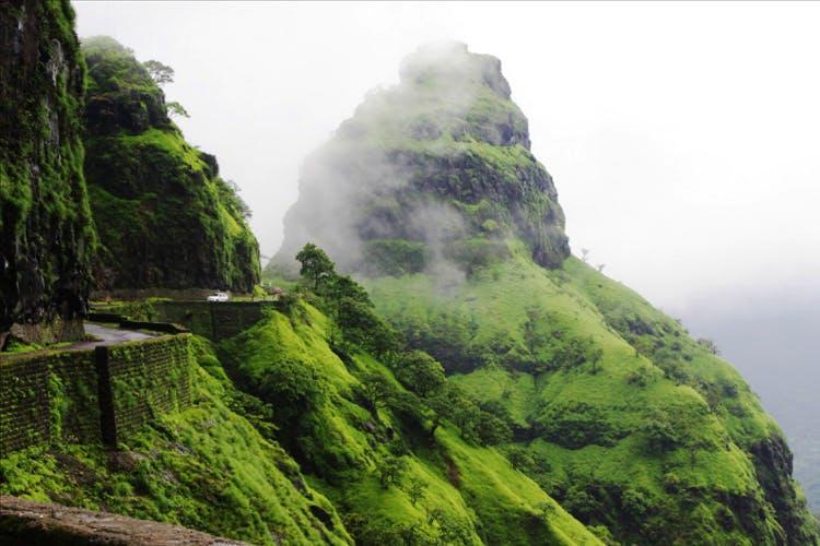 Nature,Hill station,Mountainous landforms,Vegetation,Highland,Atmospheric phenomenon,Mountain,Natural landscape,Terrain,Outcrop