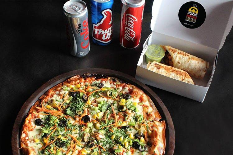 Dish,Cuisine,Pizza,Food,California-style pizza,Junk food,Ingredient,Pizza cheese,Comfort food,Italian food