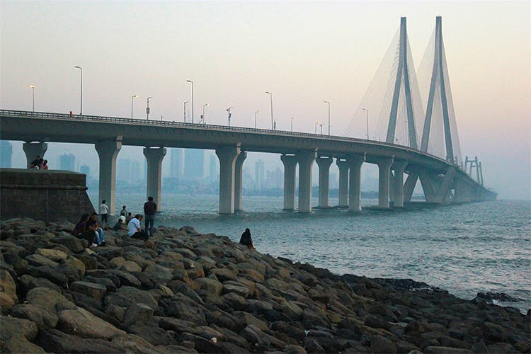 Bridge,Water,Atmospheric phenomenon,Fixed link,Sea,Sky,Fog,Skyway,Nonbuilding structure,River