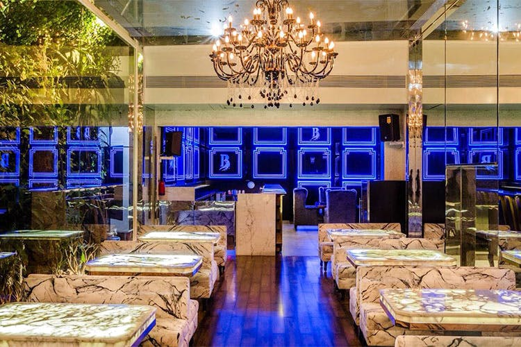Lighting,Function hall,Interior design,Building,Room,Restaurant,Banquet,Table,Party,Architecture