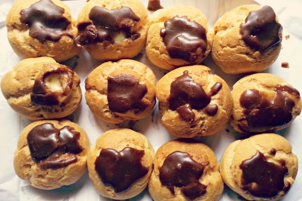 Dish,Food,Cuisine,Ingredient,Dessert,Baking,Baked goods,Cookie dough,Profiterole,Choux pastry